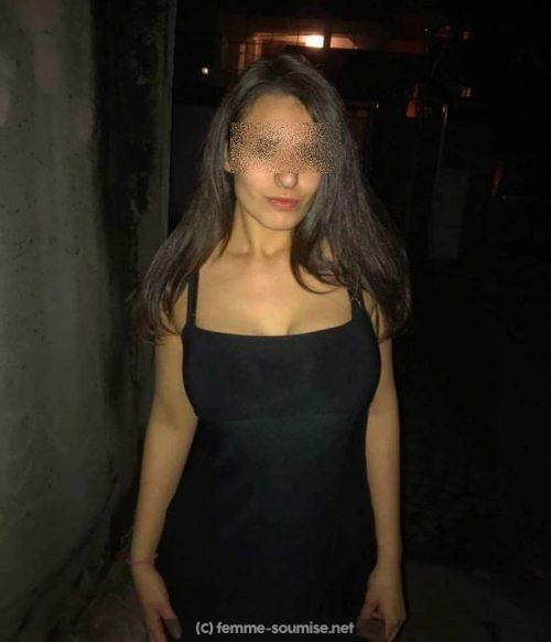 Carla meuf soumise a Angers, cherche a faire un gangbang avec 4 hommes