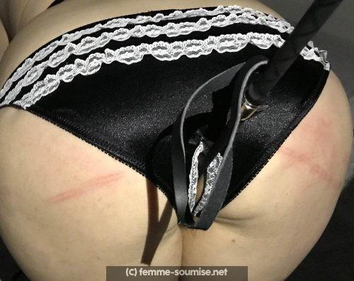 Jeune femme un peu ronde j'aime les fessées et les coups de cravache